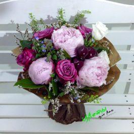 Состав: пионы розовые 3 шт