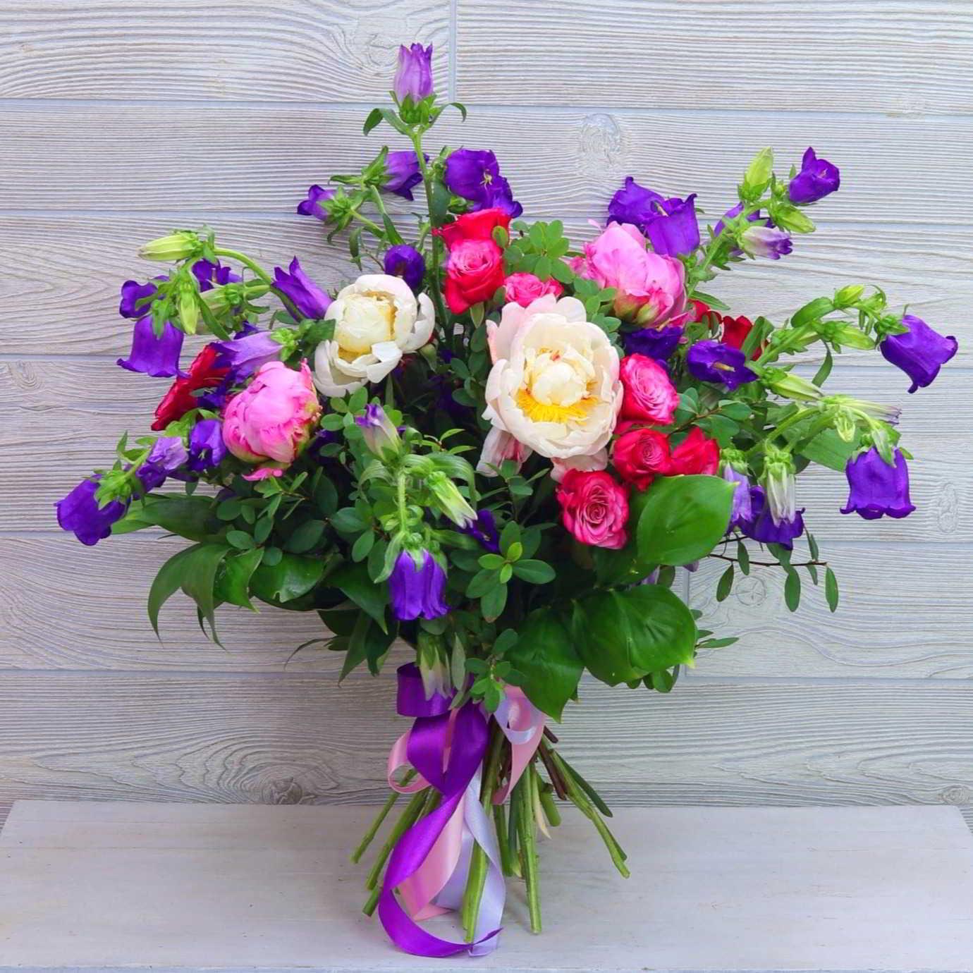 25 цветов в букете колокольчики