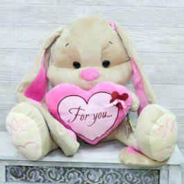 Зайчик с сердцем большой