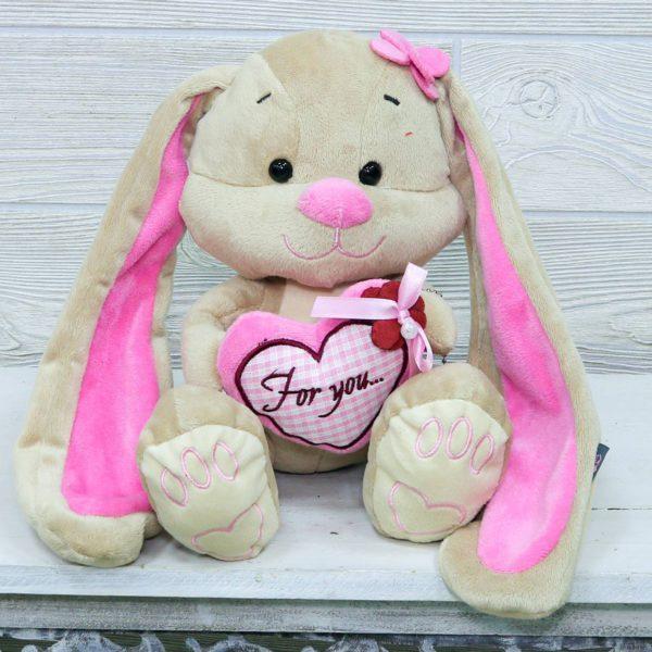 Зайчик с сердцем маленький